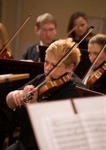 Симфонічний оркестр НФУ. Диригент–Крістофер Ліндон Гі (США)