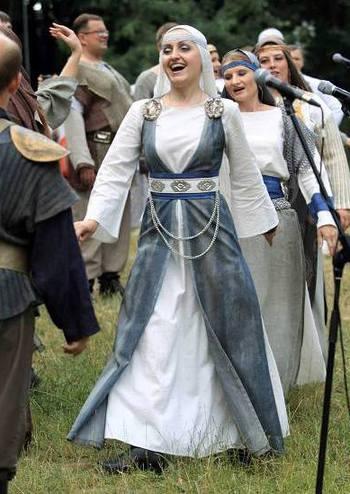 Наддніпрянське весілля. Театр